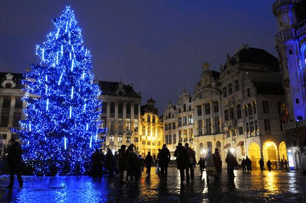 Noël En Belgique Bruxelles Grand-Place Et Manneken-pis